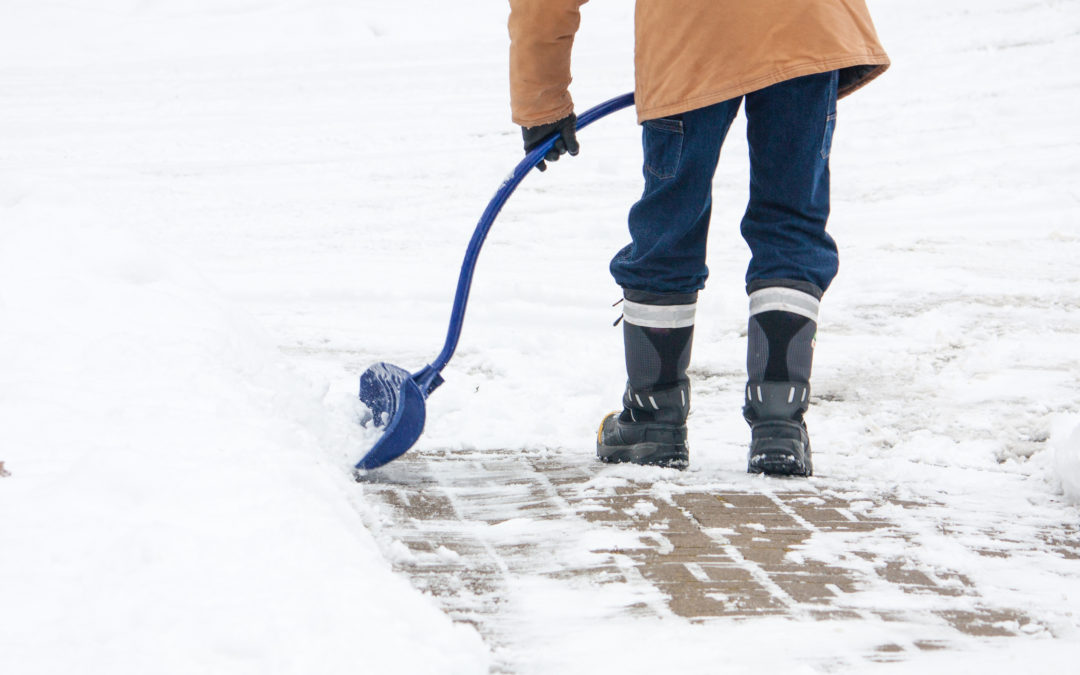 Health Tip: Shovel Snow Safely