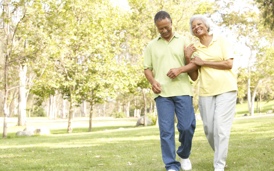 Brisk Walks May Help, Not Harm, Arthritic Knees